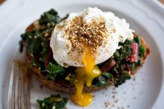 Bruschetta With Chard or Spinach, Poached Egg and Dukkah | 51 Healthy Weeknight Dinners That'll Make You Feel Great
