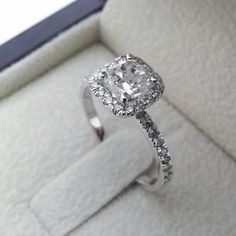 1-75-CT-CUSHION-CUT-VS-DIAMOND-SOLITAIRE-ENGAGEMENT-RING-14K-WHITE-GOLD