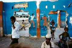 Port-au-Prince, Haiti, 1986 by Alex Webb/Magnum Photos Lee Friedlander, David Bailey, Saul Leiter, Color Photography, Street Photography, Film Photography, Timeless Photography, Henri Cartier Bresson, David Alan Harvey