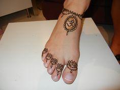 henna tattoo simple and cute