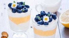 Mascarpone je italský čerstvý sýr z tučné smetany. Individual Desserts, Easy Desserts, Dessert Recipes, Homemade Heater, Verrine Fruit, Deutsche Desserts, Cherry Pie Bars, German Desserts, Kitchen