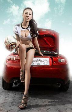 Mazda Miata looking good. Car Show Girls, Car Girls, Japanese Sports Cars, Japanese Cars, Mazda Miata, Hot Rides, Hot Cars, Sexy, Garage Cafe