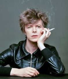 """Just got out of bed hair. David Bowie's """"Heroes"""" Cover Shoot: The Outtakes : Masayoshi Sukita"""