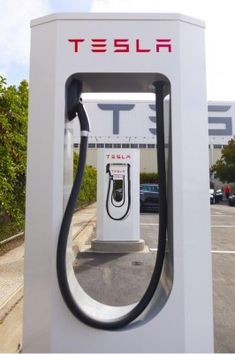 """""""Many Europeans will live within 320 km of a #Supercharger by end of 2014."""" Tesla tweet (9-10-13) Photo courtesy of Tesla Tesla Motors Presents Supercharging At IAA And Announces Plans For European Network Expansion"""