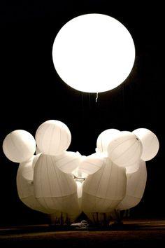 LA COMPANIE DES QUIDAMS - PERFORMING ARTs - FRANCE cool illuminated costumes and…