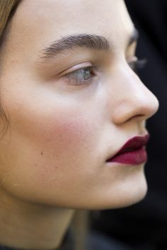 #makeup #inspirations Make-Up Detail: Maartje Verhoef - Mary Kratrantzou Fall 2016, London Fashion Week.