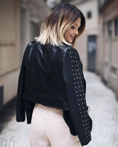 "60.8k Likes, 227 Comments - Caroline Receveur (@carolinereceveur) on Instagram: ""Once upon a time ... #london || Descriptif du look sur mon blog ( link in bio ) #shopmystyle"""