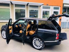 Luxury Exotic Super Muscle Best Popular Fast Cars every day! Luxury world cars central like the GOD! Range Rover Sport, Range Rovers, 2019 Ford Explorer, Suv Comparison, Range Rover Supercharged, Ford Flex, Mid Size Suv, Range Rover Classic, Chevrolet Traverse
