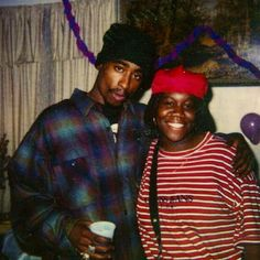 Tupac and Kim Walker(Big Stretch's little sister). They were at Kim's neice's birthday party. Tupac was the neice's godfather. 90s Hip Hop, Hip Hop And R&b, Hip Hop Rap, 2pac, Tupac Shakur, Tupac Resurrection, Kim Walker, Tupac Pictures, New York