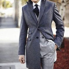 Interesting doyble breasted jacket + coat combo. Do you like how this looks?