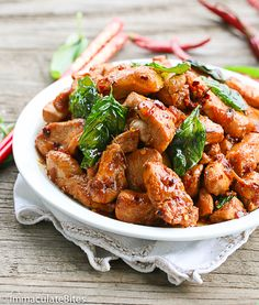 Thai Basil Chicken-Make this takeout at home in less than 20 minutes. It's insanely flavorful,healthier, and lighter than the takeout version and guaranteed hit with the family. I would eat this,. Turkey Recipes, Chicken Recipes, Dinner Recipes, Dinner Ideas, Asian Recipes, Healthy Recipes, Ethnic Recipes, Thai Basil Recipes, Asian Foods