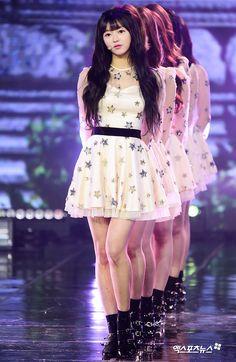 South Korean Girls, Korean Girl Groups, Most Beautiful Women, Beautiful People, Oh My Girl Yooa, Stage Outfits, Kpop Fashion, Japanese Fashion, Kpop Girls