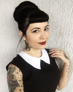 Rockabilly Pin Up, Rockabilly Fashion, Gothic Hairstyles, Pretty Hairstyles, Goth Beauty, Dark Beauty, Guys And Girls, Pin Up Girls, Darkness Girl