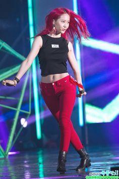 Reject the Binary Fashion Pants, Look Fashion, Womens Fashion, South Korean Girls, Korean Girl Groups, Krystal Jung Fashion, Korean American, Victoria, Seolhyun