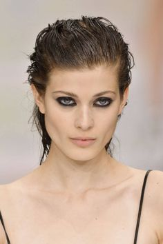 Makeup Trends Black Eyeliner by Just Cavalli Makeup Trends, Makeup Tips, Beauty Makeup, Hair Makeup, Hair Beauty, Beauty Trends, Makeup Ideas, Eye Trends, Makeup Inspo