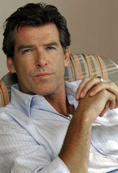 Pierce Brosnan. Cincuenta años del estilo de James Bond.