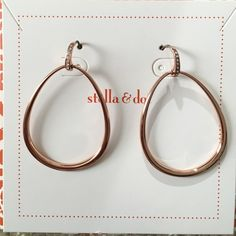 Stella & Dot Goddess Teardrop Earrings These are brand new, never worn rose gold earrings by Stella & Dot. Rose Gold finish is no longer available on their website Stella & Dot Jewelry Earrings