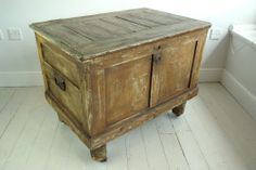 Antique Victorian Rustic Painted Pine Box TV stand blanket box storage