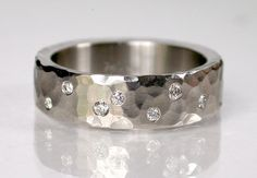 Hammered band with diamond chips