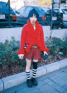 Asian Street Style, Japanese Street Fashion, Dark Fashion, 90s Fashion, Fashion Styles, Alternative Outfits, Alternative Fashion, Fruits Magazine, Harajuku Fashion