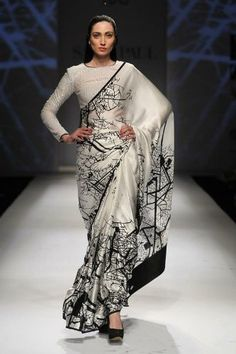 30 Elegant Silk Saree Blouse Designs Collection for 2018 Indian Sarees, Silk Sarees, Satin Saree, Indian Dresses, Indian Outfits, Indian Clothes, Satya Paul Sarees, Sari Bluse, Anarkali