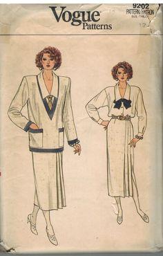 9202 UNCUT Vogue Sewing Pattern Misses Jacket Skirt Blouse Vintage 12 OOP SEW #VoguePatterns