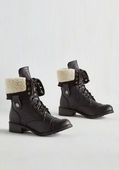 Boots & Booties - Cuff Lovin' Boot in Black