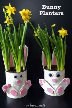 Want a quick and easy gardening with kids craft idea for Easter? Our adorable Tin Can Bunny Planters use up recyclables already found in your home! #easygardening