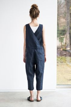 Washed and soft linen jumpsuit. The model is 170 cm high and the model is wearing size S (8 UK). The inner seam of the pant part - about 50 cm.