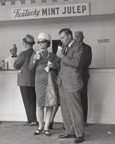 Blast from the past: Derby Style and Mint Juleps Kentucky Derby Fashion, Racehorse, Horse Racing, The Past, Mint, Seasons, Thoroughbred, Traditional, Photo And Video