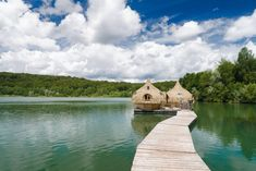 Thinking about going glamping? We're sure we have something that will float your boat 🚣♂️ - Resting on a lake in Chassey-lès-Montbozon, France, this secluded cabin is just as dreamy as the surrounding location. - Learn more by clicking the l Stay In A Treehouse, Places To Travel, Places To Go, Glass Cabin, Camping Pod, Flora Und Fauna, Getaway Cabins, Float Your Boat, Island Resort
