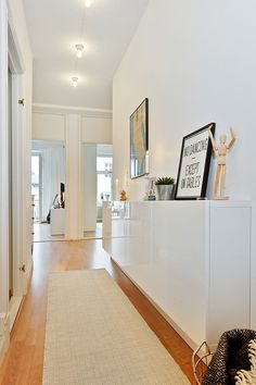 Good for small spaces: Hallway storage wall-mounted cabinet. Le Petitchouchou