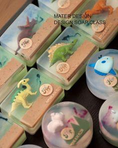 No photo description. - Easy Crafts for All Handmade Soap Recipes, Soap Making Recipes, Handmade Soaps, Diy Savon, Soap Shop, Bath Soap, Soap Packaging, Milk Soap, Hygiene