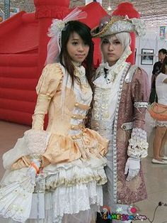 Here is a lolita couple in pirates lolita.