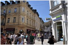 """WIESBADEN (GERMANY): The """"Pearl of Historism"""" also offers great shopping possibilities. No matter if you like famous brands or small shops that sell regional products."""