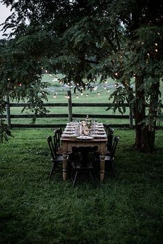 gathering from scratch: a workshop retreat pt. gathering from scratch: a workshop retreat pt. 2 Love an al fresco dining spot! For some great dining homewares inspiration to show off your outdoor space in style take a peek here www. Local Milk, Shenandoah Valley, Al Fresco Dining, Outdoor Entertaining, Outdoor Parties, Outdoor Dining, Dining Table, Outdoor Table Settings, Wood Table