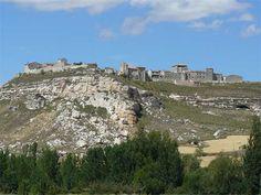 Pueblos bonitos que visitar en Burgos Spain Travel, City Photo, Portugal, Places To Visit, Spain, Viajes, Beautiful Places, Clouds, Castles