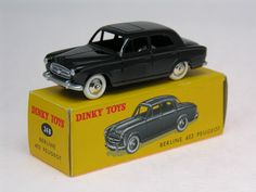 dinky toys 24B Peugeot 403 Berline