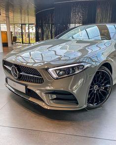 Mercedes Benz, Fancy Cars, Cool Cars, My Dream Car, Dream Cars, Top Luxury Cars, Lux Cars, Pretty Cars, Classy Cars