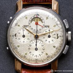 Face Time - Take a look at our fantastic, vintage steel & rose gold, Universal Genève Tri-Compax Triple Calendar Chronograph, from circa… Best Watches For Men, Amazing Watches, Vintage Watches For Men, Vintage Rolex, Luxury Watches For Men, Beautiful Watches, Cool Watches, Men's Watches, Moonphase Watch
