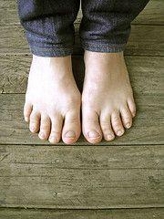 bein barefoot
