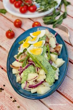 SALATE CU CARTOFI | Diva in bucatarie Paste, Avocado Toast, Breakfast, Food, Green, Morning Coffee, Meal, Essen, Hoods