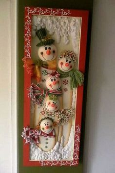 Leslie Maria Castro Palacio's media content and analytics Christmas Clay, Handmade Christmas, Christmas Crafts, Outdoor Christmas Decorations, Christmas Themes, Decor Crafts, Diy And Crafts, Snowman Faces, Xmas Ornaments