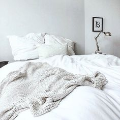Your bed needs a comfortable blanket for fall.