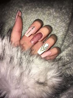 Nails, Glitter Nails, Nägel, Pink Nails, Acrylic Nails - Nails Tip Acrylic Nails Natural, Fall Acrylic Nails, Acrylic Nail Art, Fall Nails, Acrylic Nail Designs Glitter, Christmas Acrylic Nails, Coffin Acrylic Nails Long, Pink Nail Designs, Hair And Nails