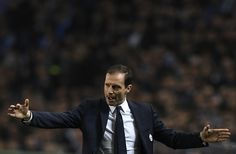 Juventus' coach Massimiliano Allegri gestures from the sideline during the UEFA Champions League round of 16 second leg football match FC Porto vs Juventus at the Dragao stadium in Porto on February 22, 2017. / AFP / FRANCISCO LEONG