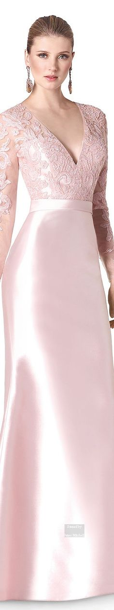 gorgeous pale pink dress but i dont think you need big gaudy earrings with that hairstyle Evening Dresses, Prom Dresses, Formal Dresses, Beautiful Gowns, Beautiful Outfits, Elegant Dresses, Pretty Dresses, I Dress, Party Dress