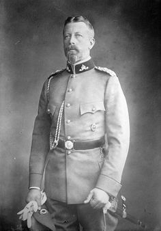 "Prince Henry (Albert Wilhelm Heinrich) (14 Aug 1862-20 Apr 1929) Prussia by unknown photographer. Henry was interested in motor cars & supposedly invented a windshield wiper. In his honor the Prinz-Heinrich-Fahrt (Prince Heinrich Tour) was established in 1908, a precursor to the German Grand Prix. He continued with motor sports & sailing & even in old age was a very successful participant in regattas. He popularized the ""Prince Henry cap"" which is still worn in 2015, especially by older sailors. German Royal Family, British Royal Families, Queen Victoria Children, Queen Victoria Prince Albert, Princess Victoria, Princess Alice, Princess Beatrice, Royal Fashion, Frederick William"