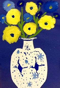 Chinese Vase - history of blue China ware, symmetry, composition, painting with small brushes