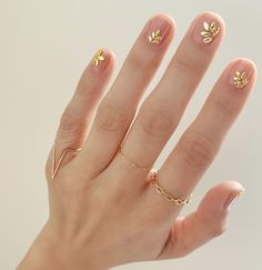 We've rounded up the best nail polish to rock all summer, courtesy of Essie. Cute Nails, Pretty Nails, Hair And Nails, My Nails, Pink Nails, Gold Nails, Gold Nail Art, Purple Nail, Pink Glitter